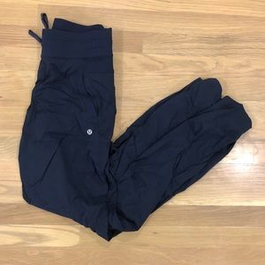 Women's lululemon studio pant in size 4tall